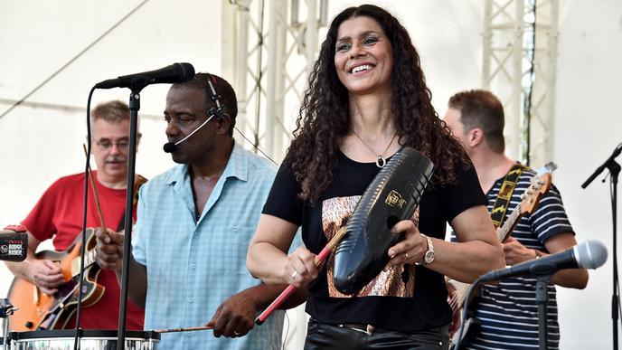 Die Band um Sängerin Eliane sorgten auf der Cafébühne für Latin-Feeling.