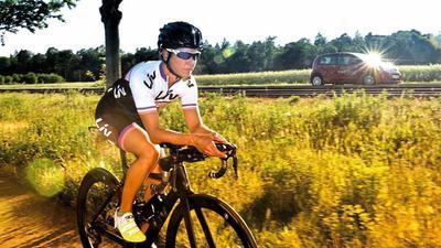 Einsatz auch außerhalb des Sports: Die Karlsruher Triathletin Svenja Mann möchte auf den Kampf gegen Krebs aufmerksam machen.