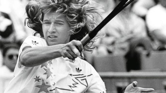 Nur 38 Minuten benötigt die deutsche Weltranglisten-Erste Steffi Graf 1988 bei ihrem ersten Auftritt am Hamburger Rothenbaum, um beim Citizen-Cup das Match gegen Marsikova aus der CSSR mit 6:0 und 6:3 zu ihren Gunsten zu entscheiden.