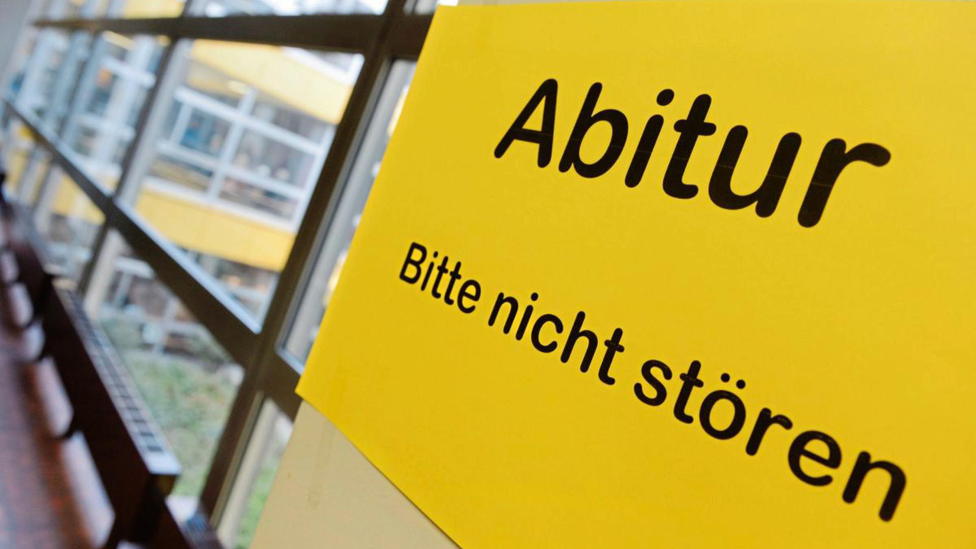 Die Abiturprüfungen sowie die Prüfungen in den Real- und Hauptschulen finden in Baden-Württemberg trotz Coronavirus ab Mitte Mai statt.
