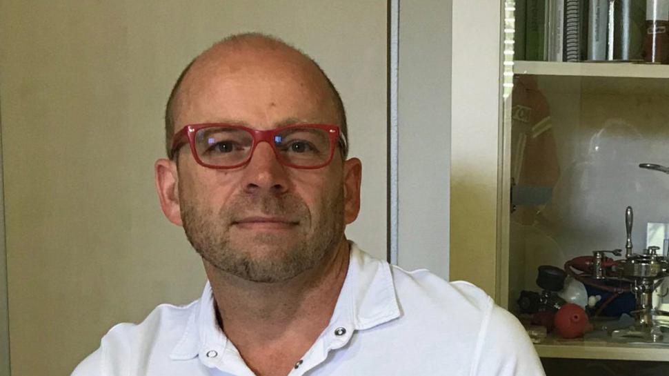 Am Diakonissen-Krankenhaus Karlsruhe ist er Oberarzt und Laborleiter. Für Karlsruhe und die Region ist er Leitender Notarzt und für den ASB in Baden-Württemberg Landesarzt: Christoph Nießner nimmt mit vielen Kompetenzen und Ehrenämtern seine Berufung als Arzt wahr.