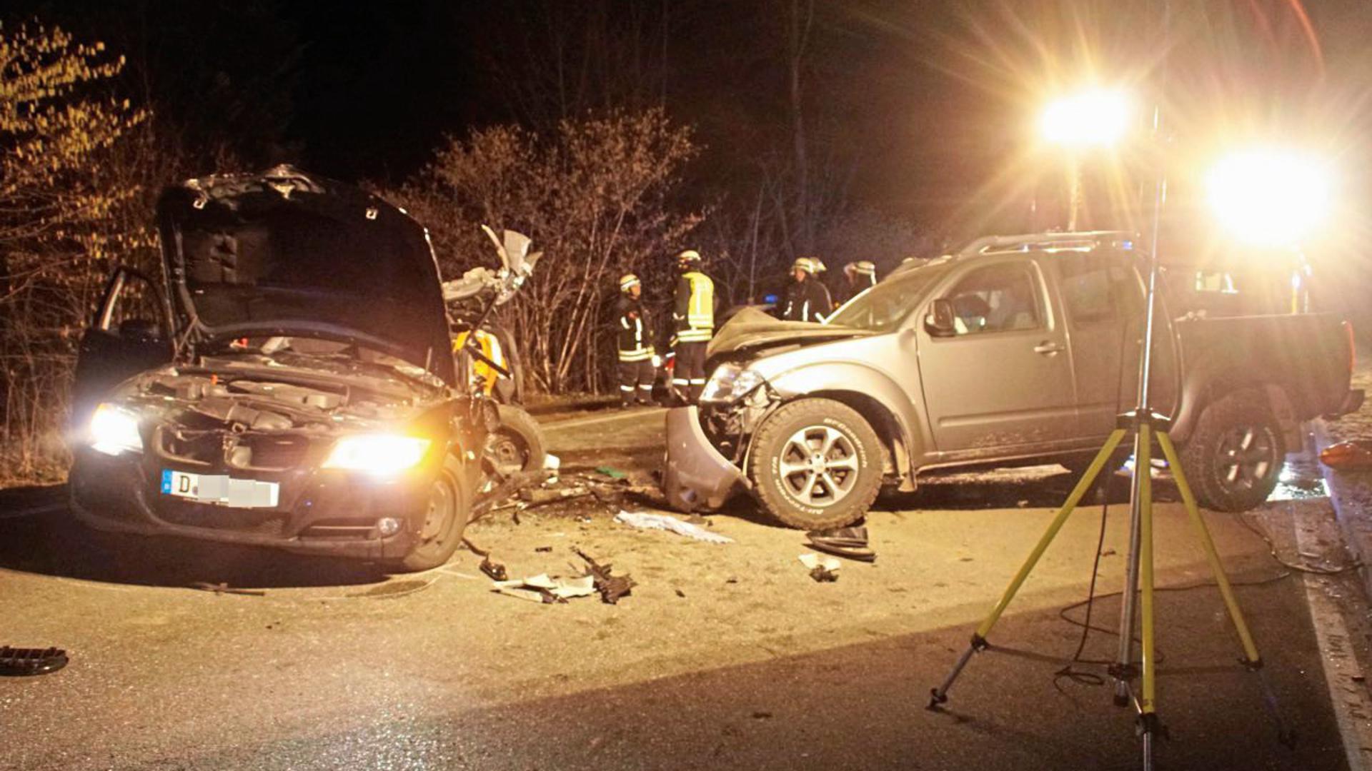 Ein 32-jähriger Autofahrer ist am Sonntagabend bei einem Unfall auf der B294 zwischen Simmersfeld und dem Bad Wildbader Ortsteil Calmbach gestorben.