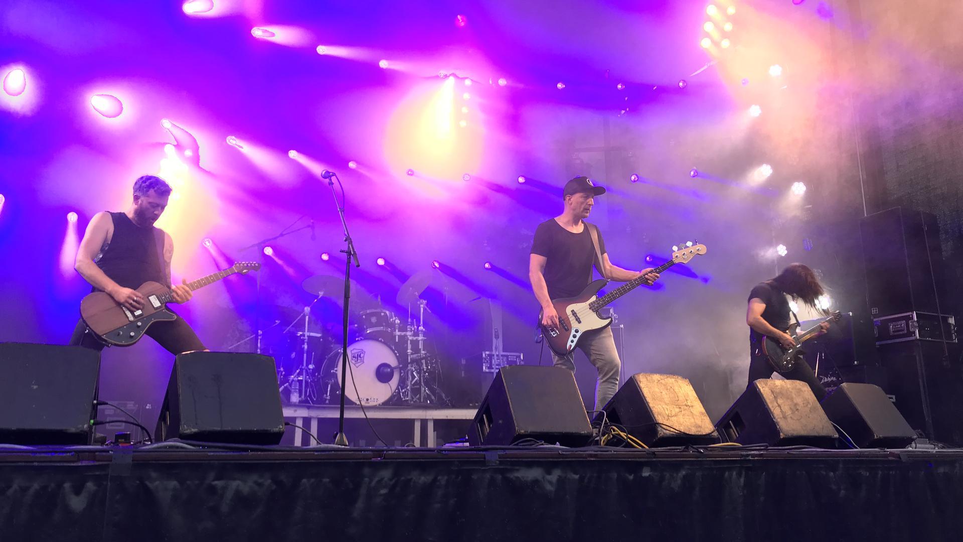 """Instrumental-Rock präsentierten Long Distance Calling auf der Feldbühne vom """"Fest""""."""