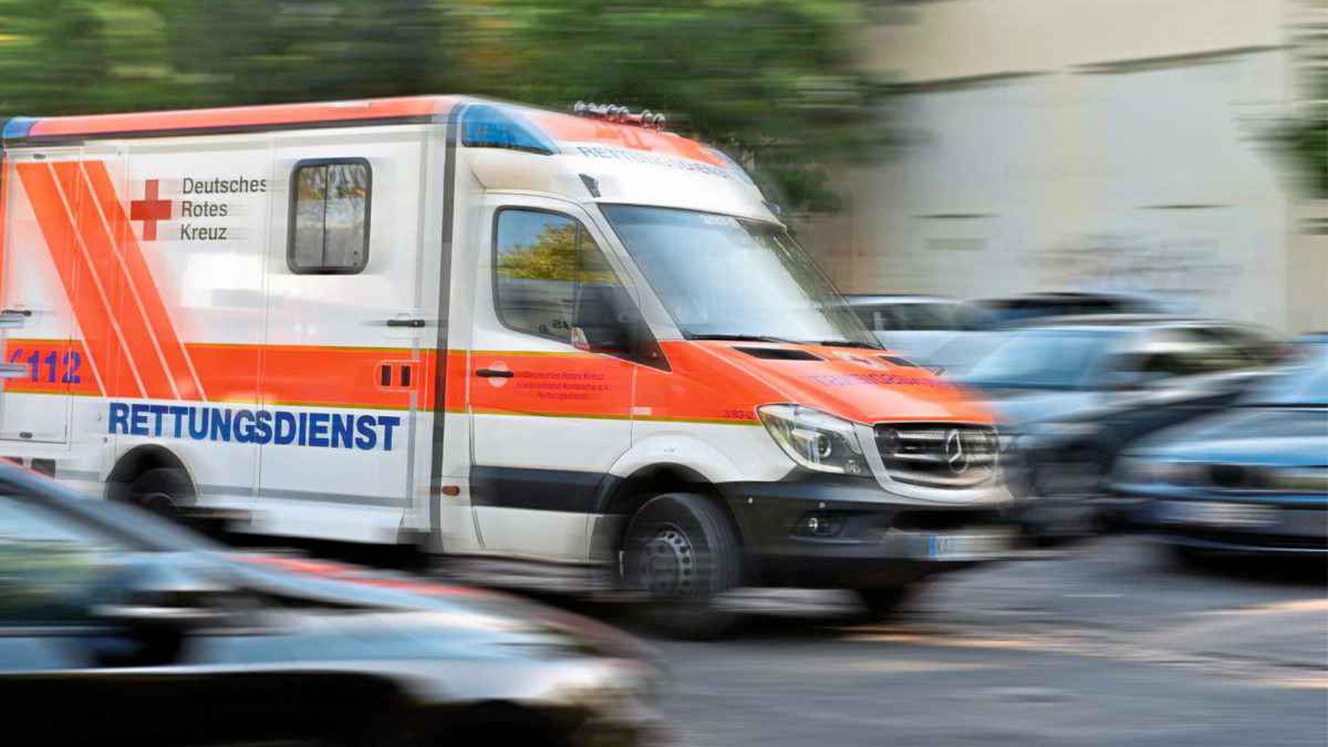 20 Jahriger Motorradfahrer Sturzt Und Stirbt Bei Unfall In Karlsruhe