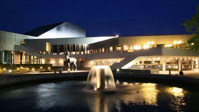Staatstheater mit Musengaul