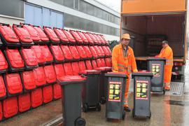 Wertstofftonnen beim Amt für Abfallwirtschaft in der Ottostraße