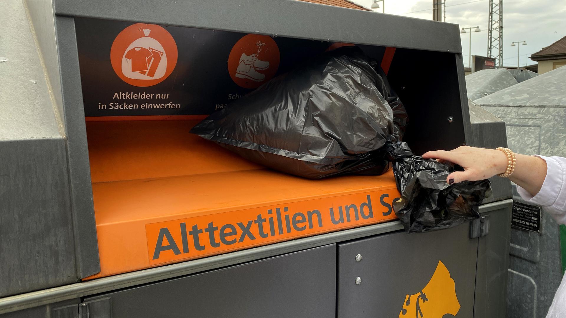 Altkleider Container