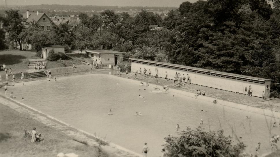 Freibad Wolfartsweier in den 1950ern