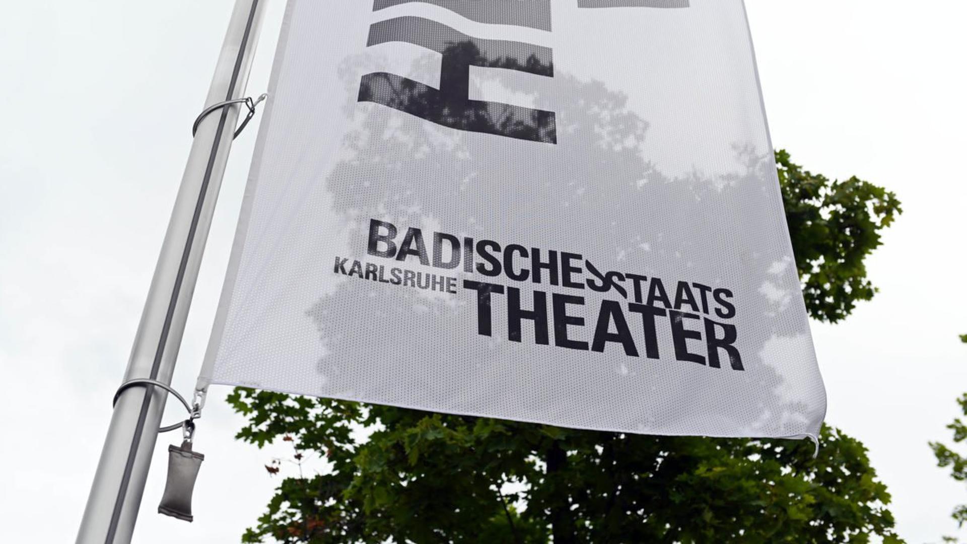 Nicht nur in Karlsruhe hat der Führungsstil von Theaterleitern Konflikte ausgelöst. Bundesweit wird über eine Reform der überholten hierarchischen Strukturen diskutiert.