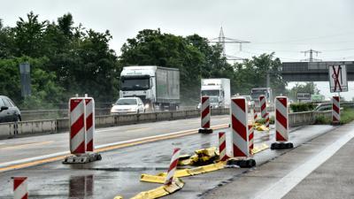21.06.2021 Die A5 zwischen Karlsruhe und Rastatt. Baustelle mit heftigem Staupotenzial