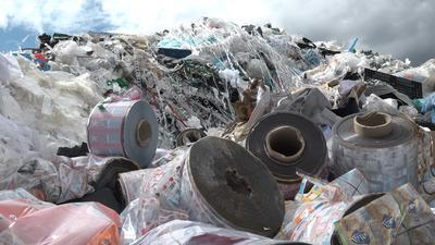 Ein Berg, der nur noch zum Verbrennen taugt: Diese Abfälle aus verschiedenen Materialien werden nicht zu neuen Produkten. Sie landen als Ersatzbrennstoff in einer Anlage in Mannheim.