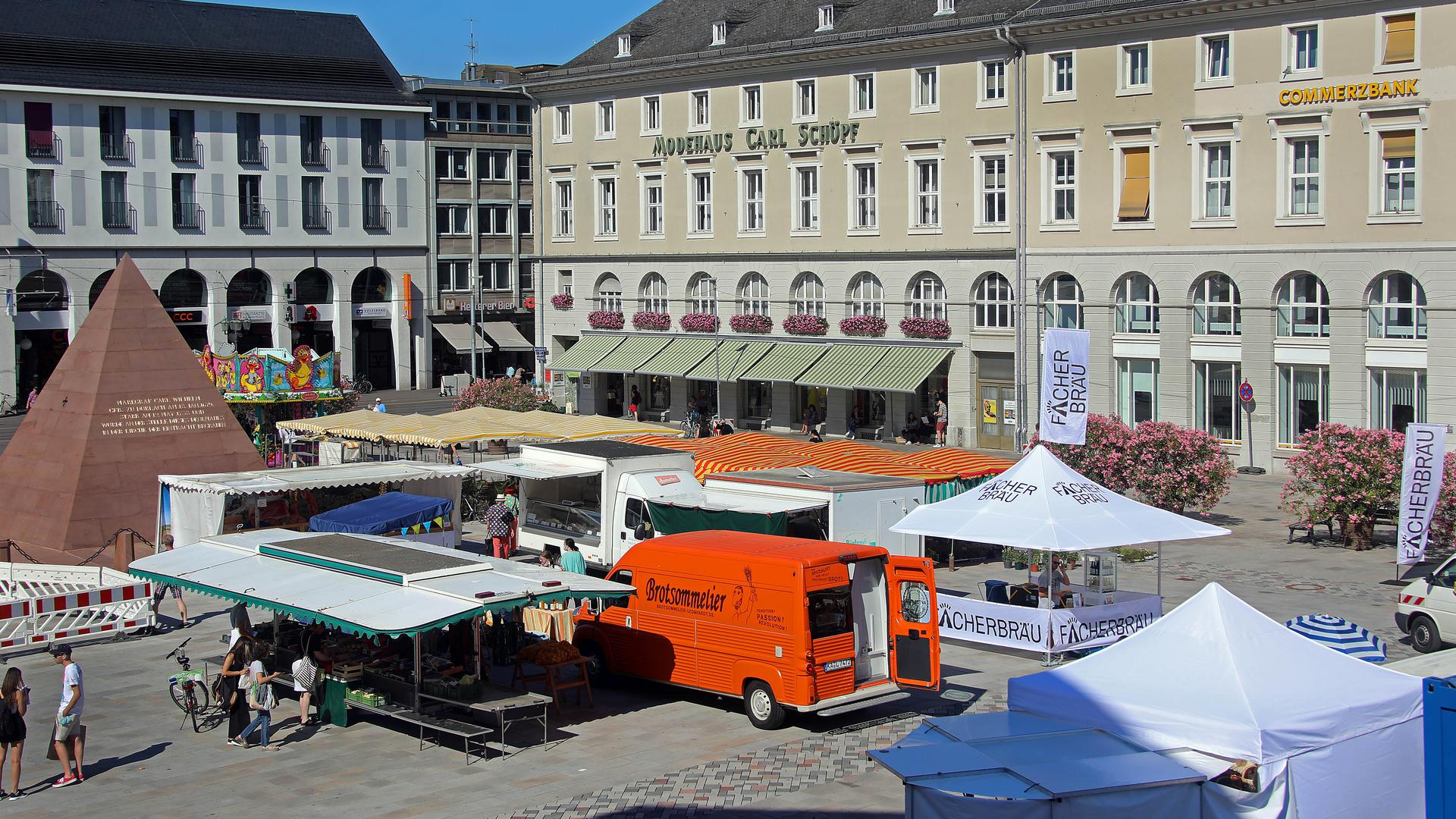Macht seinem Namen Ehre: Jeden Mittwoch findet auf dem Marktplatz der Abendmarkt statt.