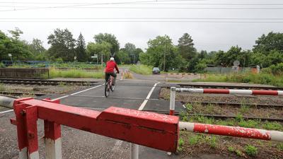 Bahnübergang am Petergraben in Bulach
