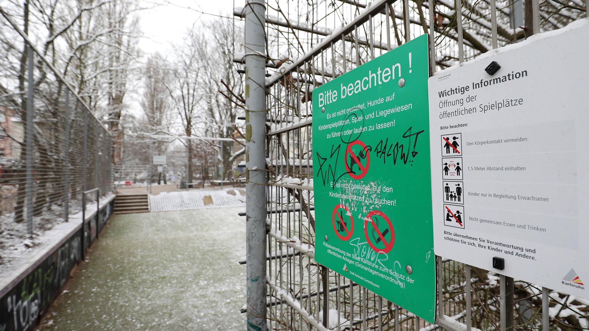 © Jodo-Foto /  Joerg  Donecker// 9.02.2021 Bolzplatz in der Suedstadt / Gruenstreifen beim Jugendhaus Suedsatdt,   -Copyright - Jodo-Foto /  Joerg  Donecker Sonnenbergstr.4  D-76228 KARLSRUHE TEL:  0049 (0) 721-9473285 FAX:  0049 (0) 721 4903368  Mobil: 0049 (0) 172 7238737 E-Mail:  joerg.donecker@t-online.de Sparkasse Karlsruhe  IBAN: DE12 6605 0101 0010 0395 50, BIC: KARSDE66XX Steuernummer 34140/28360 Veroeffentlichung nur gegen Honorar nach MFM zzgl. ges. Mwst.  , Belegexemplar und Namensnennung. Es gelten meine AGB.