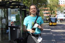 Kristin am Fernbusbahnhof in Karlsruhe.