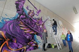 © Jodo-Foto /  Joerg  Donecker// 25.03.2021  Halls of Fame in Durlach / Unterfuehrung wird v. Graffitikuenstlern gestaltet, Foto: v.l.n.r. Susanne Asche , Kuenstler: Moter ( Team Combo), Monika Haug ( Buergergemeinschaft), OV Ries,           -Copyright - Jodo-Foto /  Joerg  Donecker Sonnenbergstr.4  D-76228 KARLSRUHE TEL:  0049 (0) 721-9473285 FAX:  0049 (0) 721 4903368  Mobil: 0049 (0) 172 7238737 E-Mail:  joerg.donecker@t-online.de Sparkasse Karlsruhe  IBAN: DE12 6605 0101 0010 0395 50, BIC: KARSDE66XX Steuernummer 34140/28360 Veroeffentlichung nur gegen Honorar nach MFM zzgl. ges. Mwst.  , Belegexemplar und Namensnennung. Es gelten meine AGB.