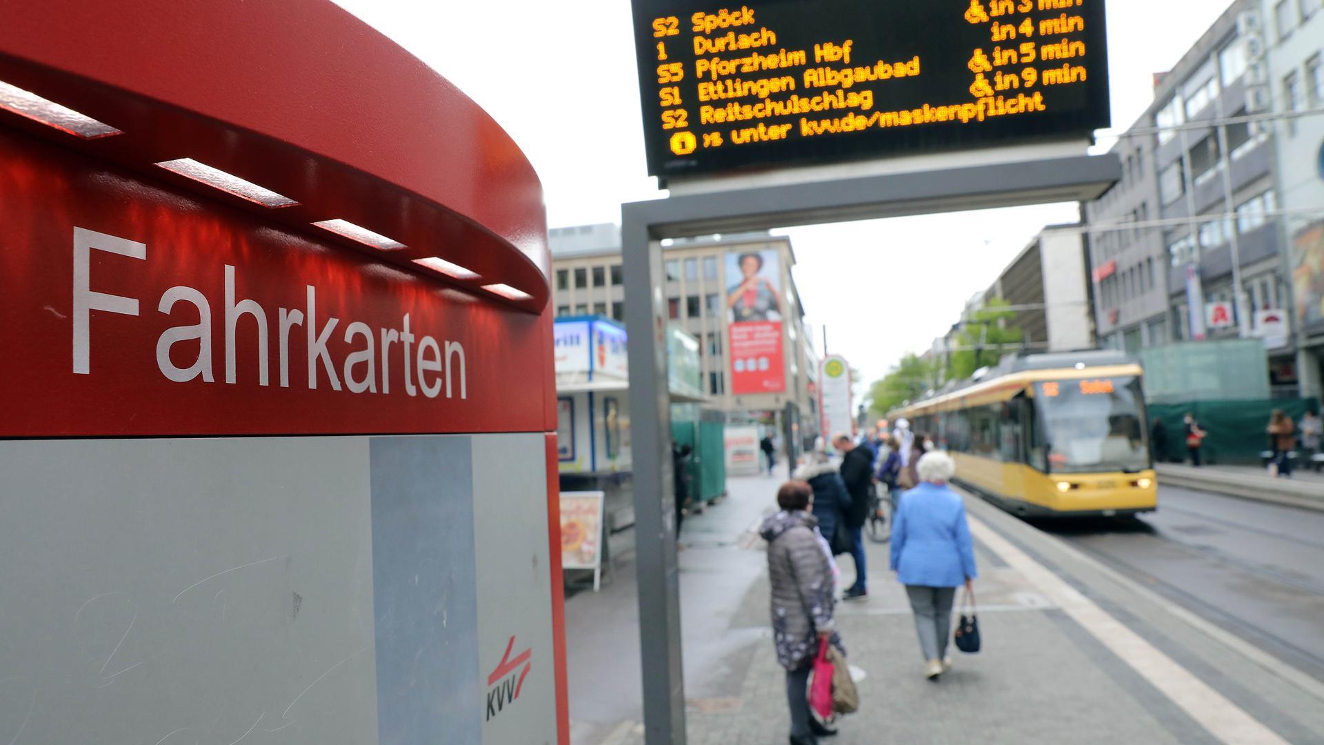 Wird mal wieder teurer: Der Karlsruher Verkehrsverbund will im Sommer seine Tarife um bis zu fast vier Prozent erhöhen. Eine Anhebung, die deutlich über der aktuellen Inflationsrate liegt.