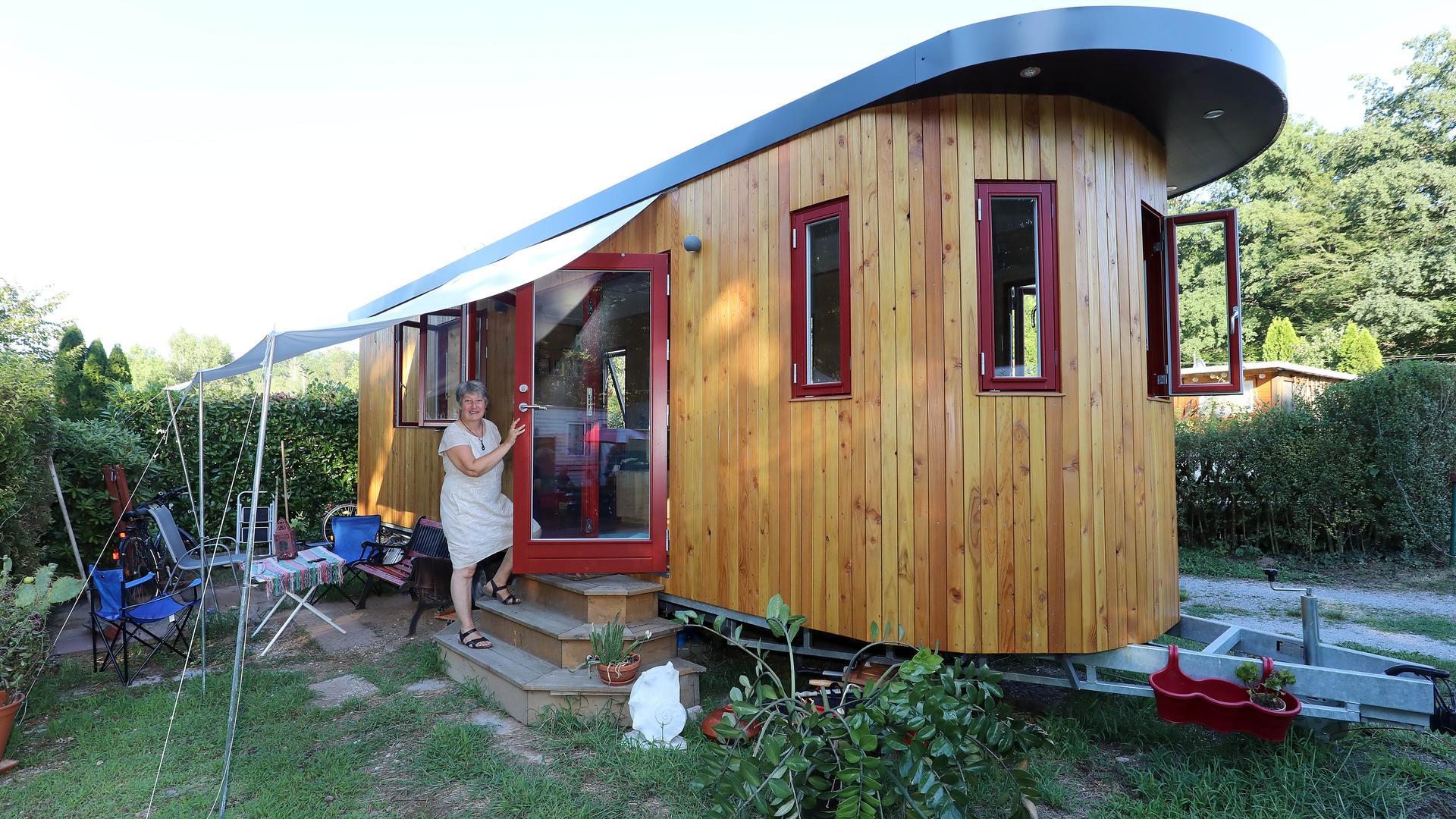 Runde Sache: Gudruns Tiny House sticht besonders durch die abgerundete Front hervor.