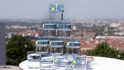 © Jodo-Foto /  Joerg  Donecker//  31.07.2018 PK Stadtwerke zum Thema Trinkwasser beim Turmberg, Foto: li.Matthias Maier, re. Wolfgang Deinlein,                                                                        -Copyright - Jodo-Foto /  Joerg  Donecker Sonnenbergstr.4  D-76228 KARLSRUHE TEL:  0049 (0) 721-9473285 FAX:  0049 (0) 721 4903368  Mobil: 0049 (0) 172 7238737 E-Mail:  joerg.donecker@t-online.de Sparkasse Karlsruhe  IBAN: DE12 6605 0101 0010 0395 50, BIC: KARSDE66XX Steuernummer 34140/28360 Veroeffentlichung nur gegen Honorar nach MFM zzgl. ges. Mwst.  , Belegexemplar und Namensnennung. Es gelten meine AGB.