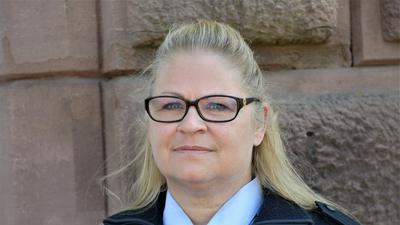 Stephanie Schütz ist Beamtin im allgemeinen Vollzugsdienst der JVA Bruchsal. Nebenbei studiert die 45-Jährige soziale Arbeit.