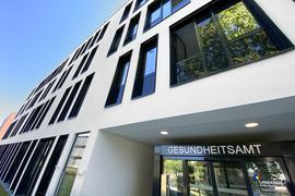 31.07.2020 Reportage aus dem neuen Gesundheitsamt in der Wolfartsweierer Straße Karlsruhe. So sieht es aus, das erwartete die Bürger, hier können Gutachten oder Untersuchungen gemacht werden. Rundgang und Blick hinter die Kulissen.