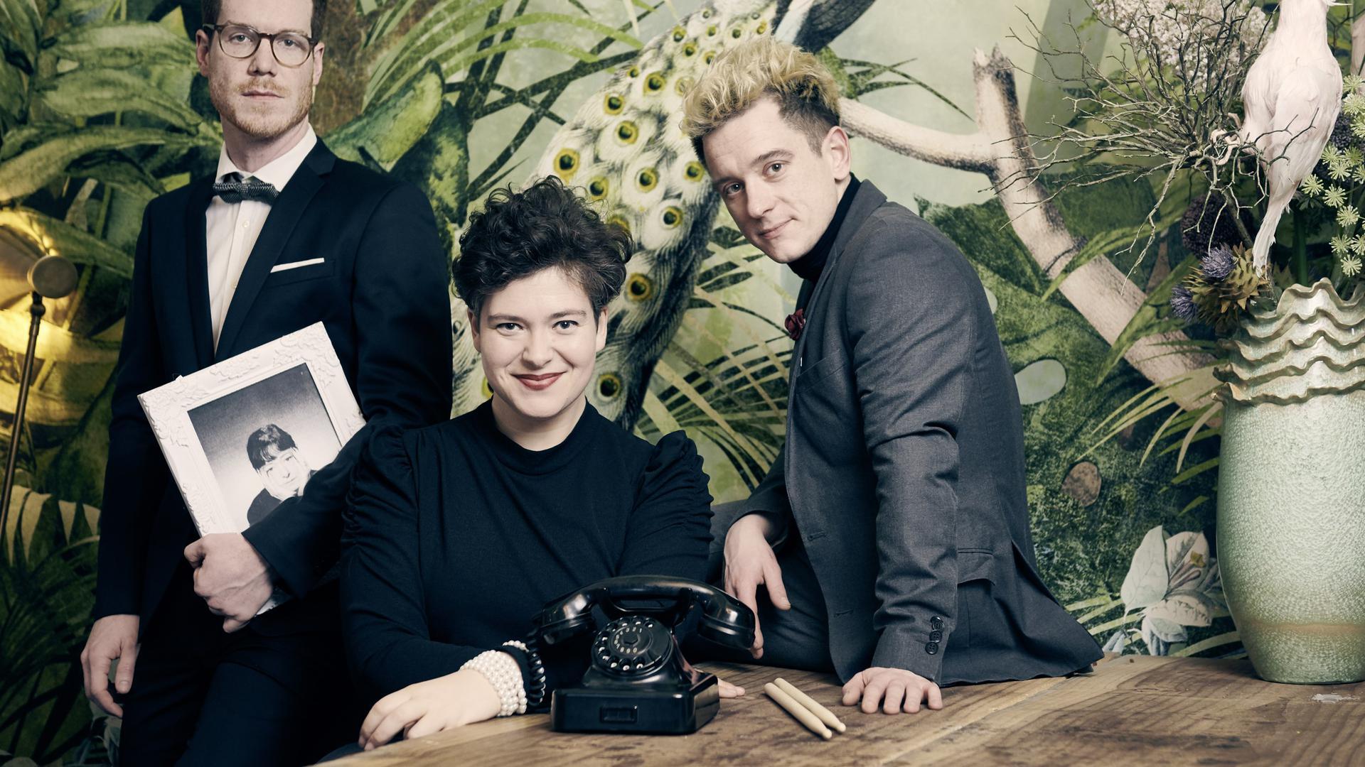 """Zwei Männer und drei Frauen bilden die Band """"Gomringer & Scholz"""""""