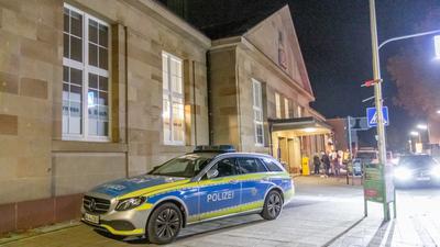 Am Bahnhof in Durlach hat sich ein tödlicher Unfall ereigent.