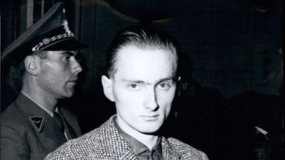 Oct. 10, 1960 - Sexual criminal Pommerenke before the court: The mostly feared sexual criminal of past-war time in Germany, temporary worker Heinrich Pommerenke Heinrich Pommerenke, 23, is since Oct. 3rd questioned before the court in Freiburg/West-Germany. He is accused of 27 crimes, among them four robbery and sexual murders, 10 crimes of tried murder and several robbery attacks, thefts and indecent assaults. On the whole, Pommerenke admitted 65 crimes. Photo shows Heinrich Pommerenke before the court. PUBLICATIONxINxGERxONLY - ZUMAk09