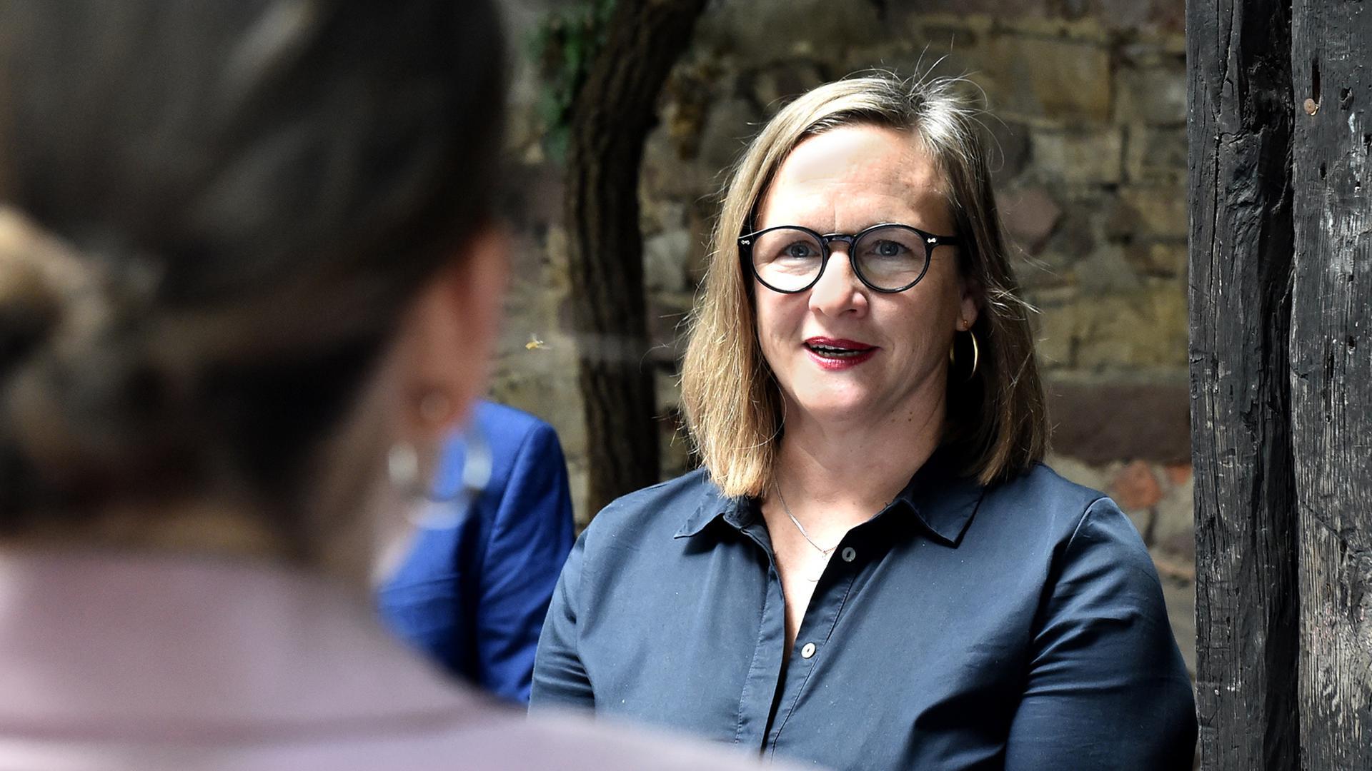 Alexandra Nohl: Für den Wahlkreis Bruchsal zieht die 45-Jährige in den Wahlkampf um einen Platz im baden-württembergischen Landtag. Neben ihren Ämtern im Gemeinde- und Ortschaftsrat ist Nohl Konrektorin einer Schule.