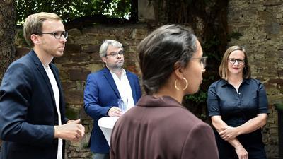 Zukunftspläne schmiedet die SPD im Landkreis Karlsruhe: Nach fünf Jahren will sie 2021 wieder im Landtag Baden-Württemberg vertreten sein, darum kämpfen der Vorsitzende Christian Holzer (von links) sowie die Kandidaten Stephan Walter, Aisha Fahir und Alexandra Nohl.
