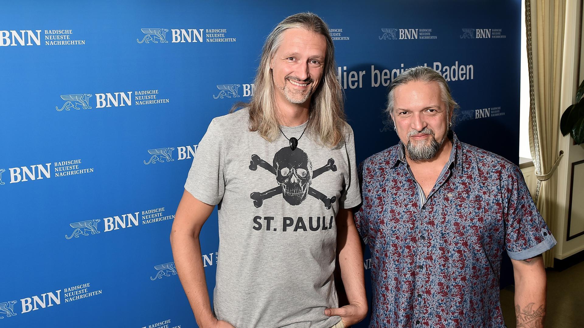 Am 10.08.2018 waren Saltatio Mortis zu Gast bei den BNN. Links im Bild: Schlagzeuger Timo Gleichmann alias Lasterbalk, rechts: Gründungsmitglied und Drehleier-Spieler Gunter Kopf