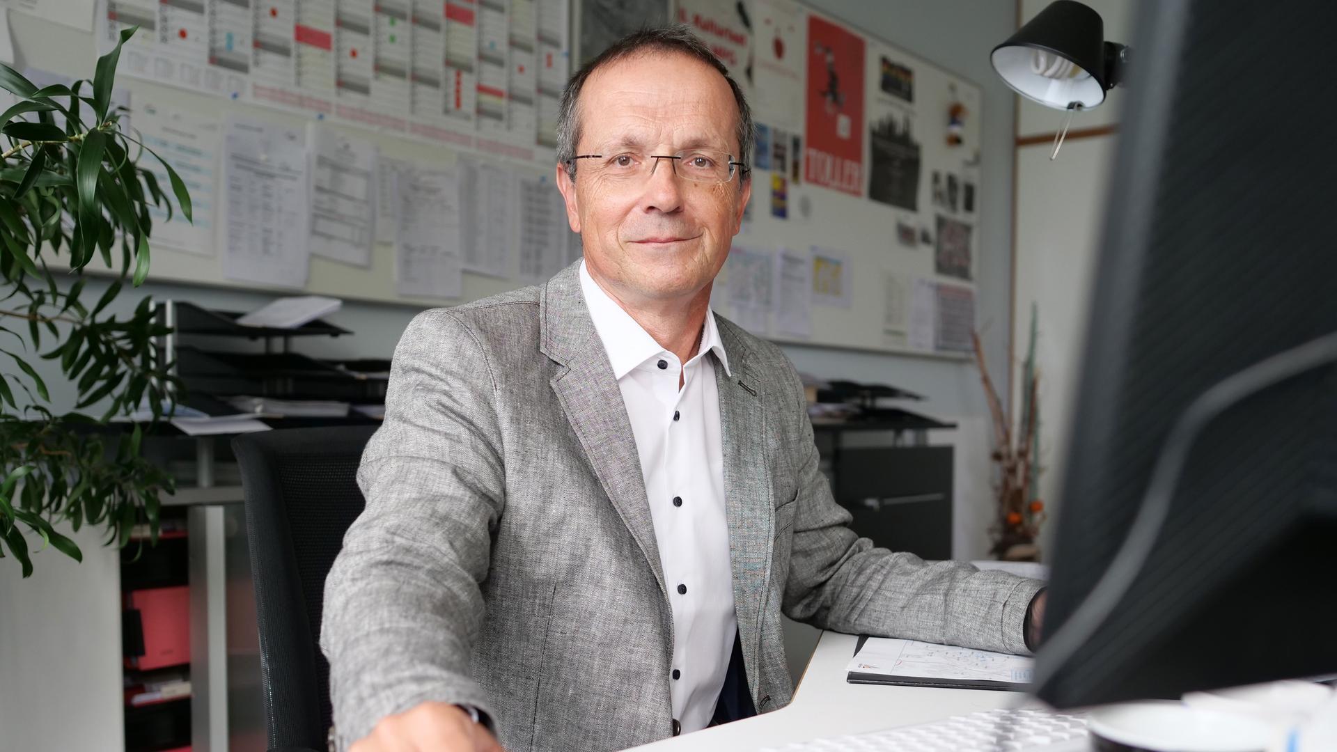 Rektor des Max-Planck-Gymnasiums Uwe Mueller