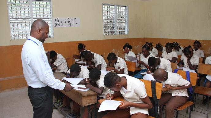 Katastrophale Verhältnisse für Schüler: In der St. André-Schule sind die Klassenräume heillos überfüllt.