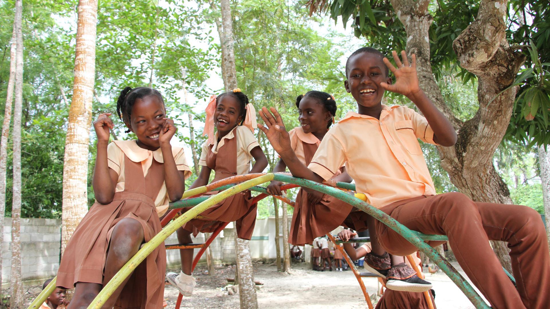 Wie alle Kids weltweit, finden auch die Schüler in Fond-des-Blancs Pausen ganz toll.