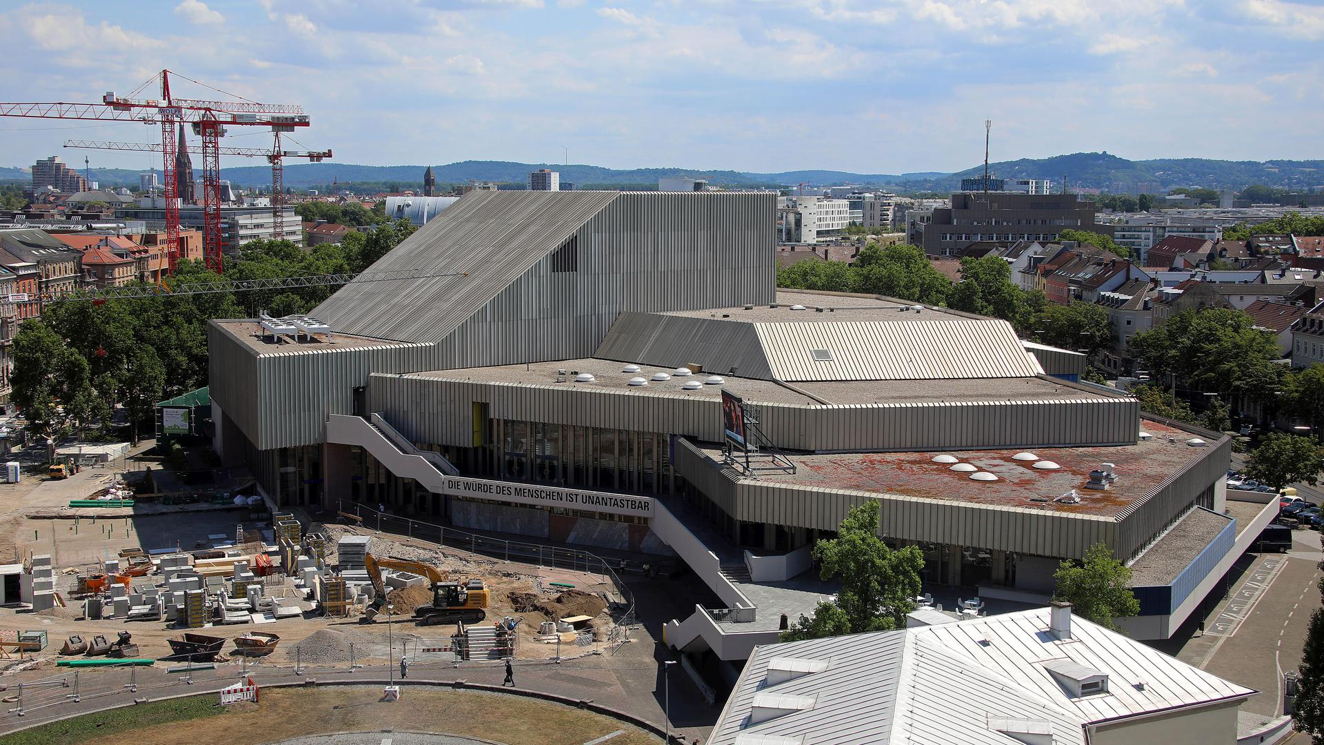 Ein Haus mit vielen offenen Baustellen: Am Badischen Staatstheater wurde zuletzt massive Kritik an der Amtsführung von Generalintendant Peter Spuhler geübt. Diese Vorgänge werden auch in der Kommunalpolitik diskutiert.