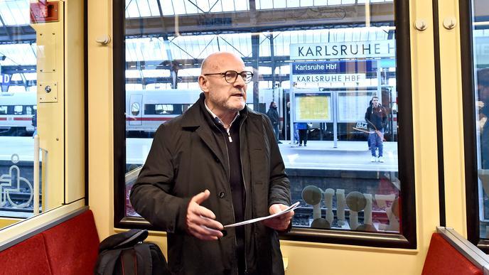 Winfried Hermann, Verkehrsminister von Baden-Württemberg, war bei der Ausbildungsfahrt von Karlsruhe nach Rastatt dabei.