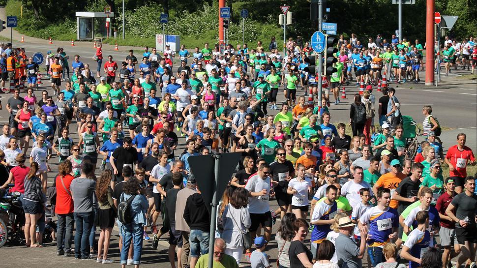 Am 5. Mai gehen wieder zahlreiche Läufer bei der Badischen Meile durch die Fächerstadt an den Start.