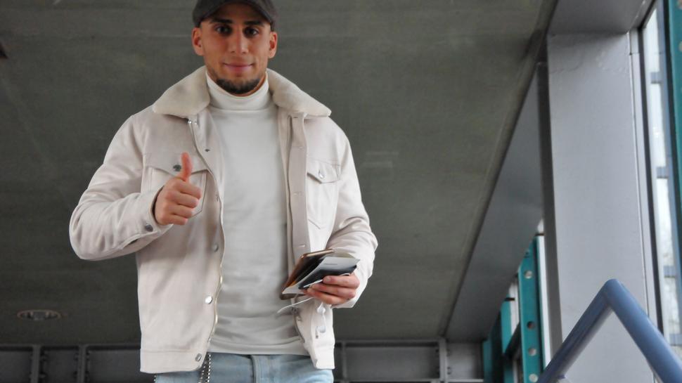 Das erste Training des zuletzt vereinslosen Deutsch-Tunesiers Änis Ben-Hatira beim KSC wird erst in der neuen Woche folgen.