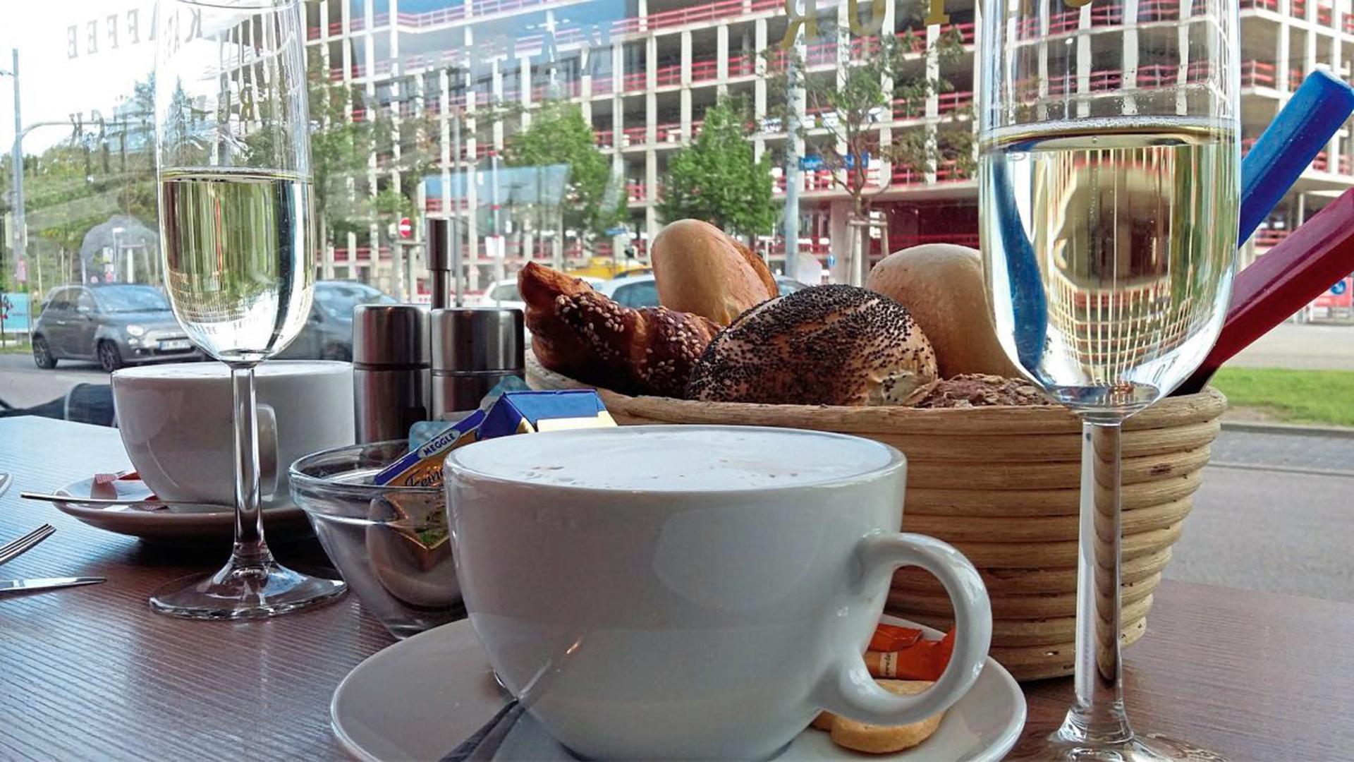 """Lecker Frühstücken lässt es sich in Karlsruhe an vielen Orten - zum Beispiel im """"Laib und Leben"""" in der Ludwig-Erhard-Allee."""