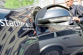 Carsharing-Kunden halten sich gerade sehr zurück – aus Angst vor Ansteckung oder weil sie nicht mehr so viel Auto fahren müssen. Für das Karlsruher Unternehmen Stadtmobil ist das ein Problem.