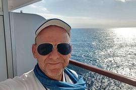 """Land in Sicht: Für Andreas Bönsel aus Karlsruhe und über 1.000 andere Gäste auf der """"MS Westerdam"""" soll die Irrfahrt in Bangkok enden."""
