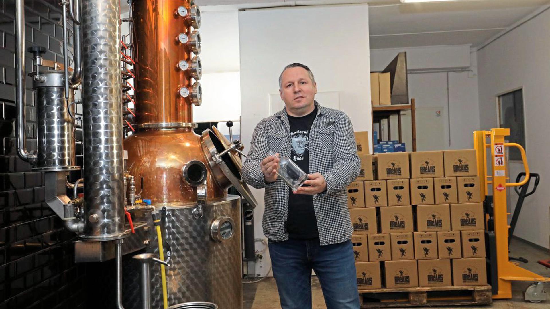 Harald Reinholz will in seiner Gin-Manufaktur gerne Desinfektionsmittel produzieren