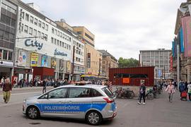 Das Sicherheitsgefühl am Europaplatz hat sich in jüngster Zeit leicht verschlechtert. Streifen von Polizei und Kommunalem Ordnungsdienst zeigen deshalb häufig Präsenz.