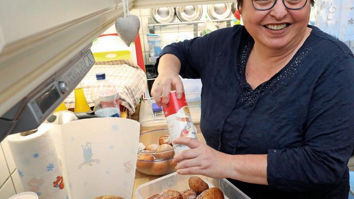 Zum Schluss Zucker: Pudrig garniert schmecken die Kiechle besonders.
