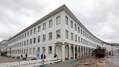 Paradestück: Das Finanzamt zieht weg vom Platz der Grundrechte und dem Schlossvorplatz. Das Gebäude bleibt dann vielleicht lange verwaist.Finanzamt