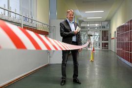 Schulleiter Jürgen Angerhoferhat Vorgaben zum Schutz vor Corona umgesetzt.