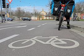 Wenn Routen des Radnetzes Baden-Württemberg durch die Stadt führen, gibt es beim Ausbau Fördermittel vom Land, wie hier bei der Radroute 15, fotografiert im März 2020.