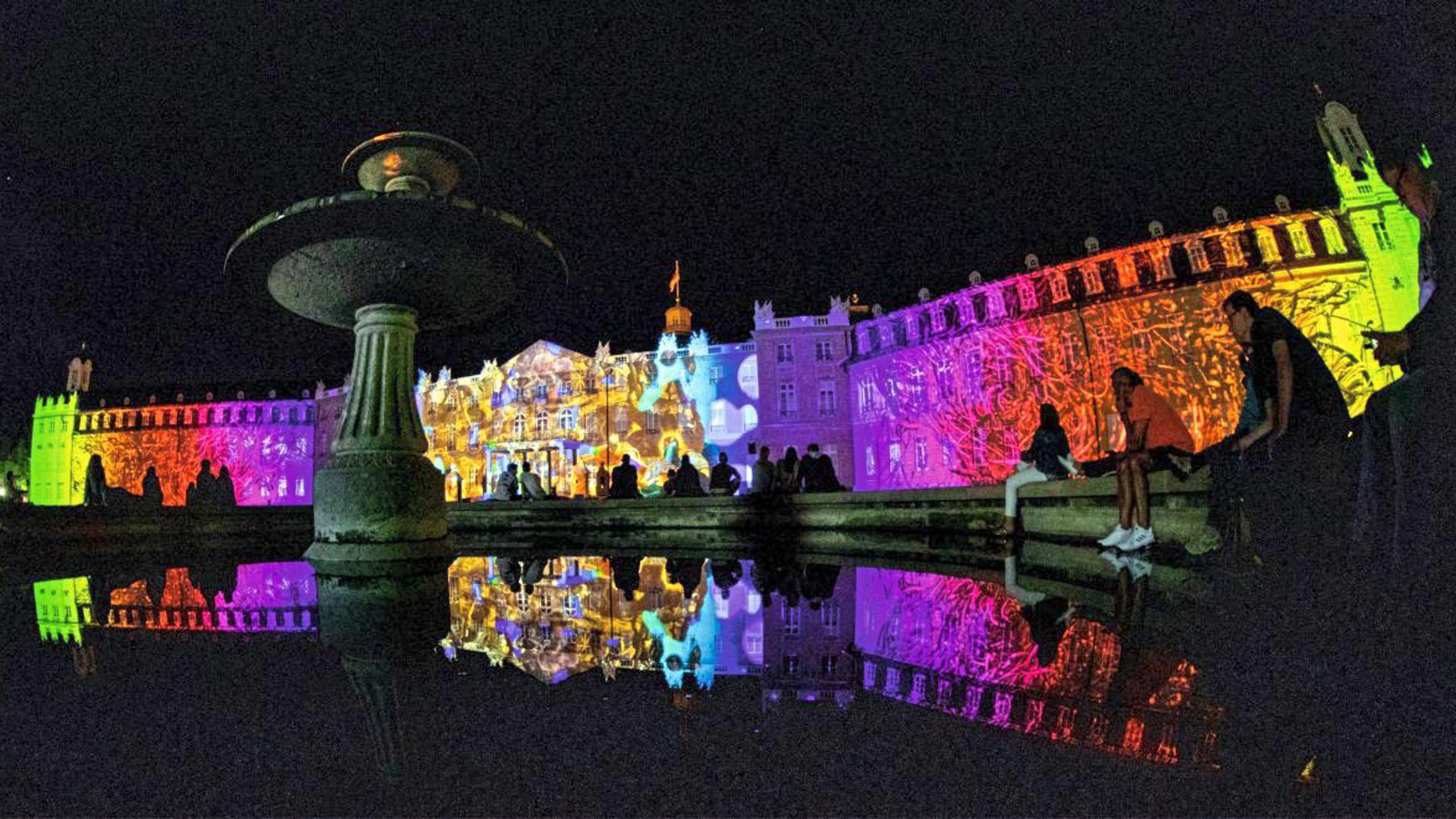 Am Donnerstagabend haben in Karlsruhe die Schlosslichtspiele 2019 begonnen.