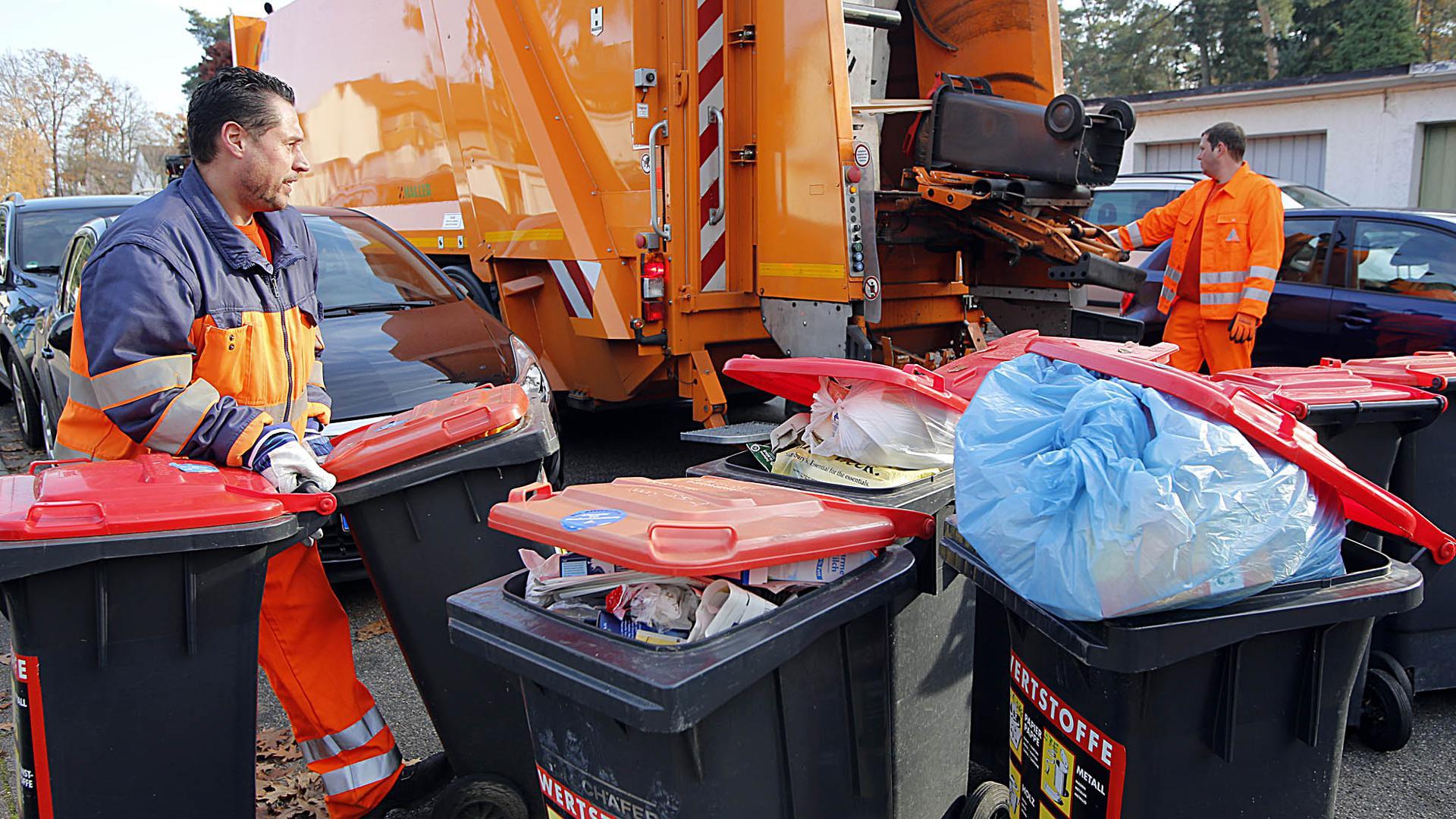 Karlsruher Müllabfuhr bei der Arbeit