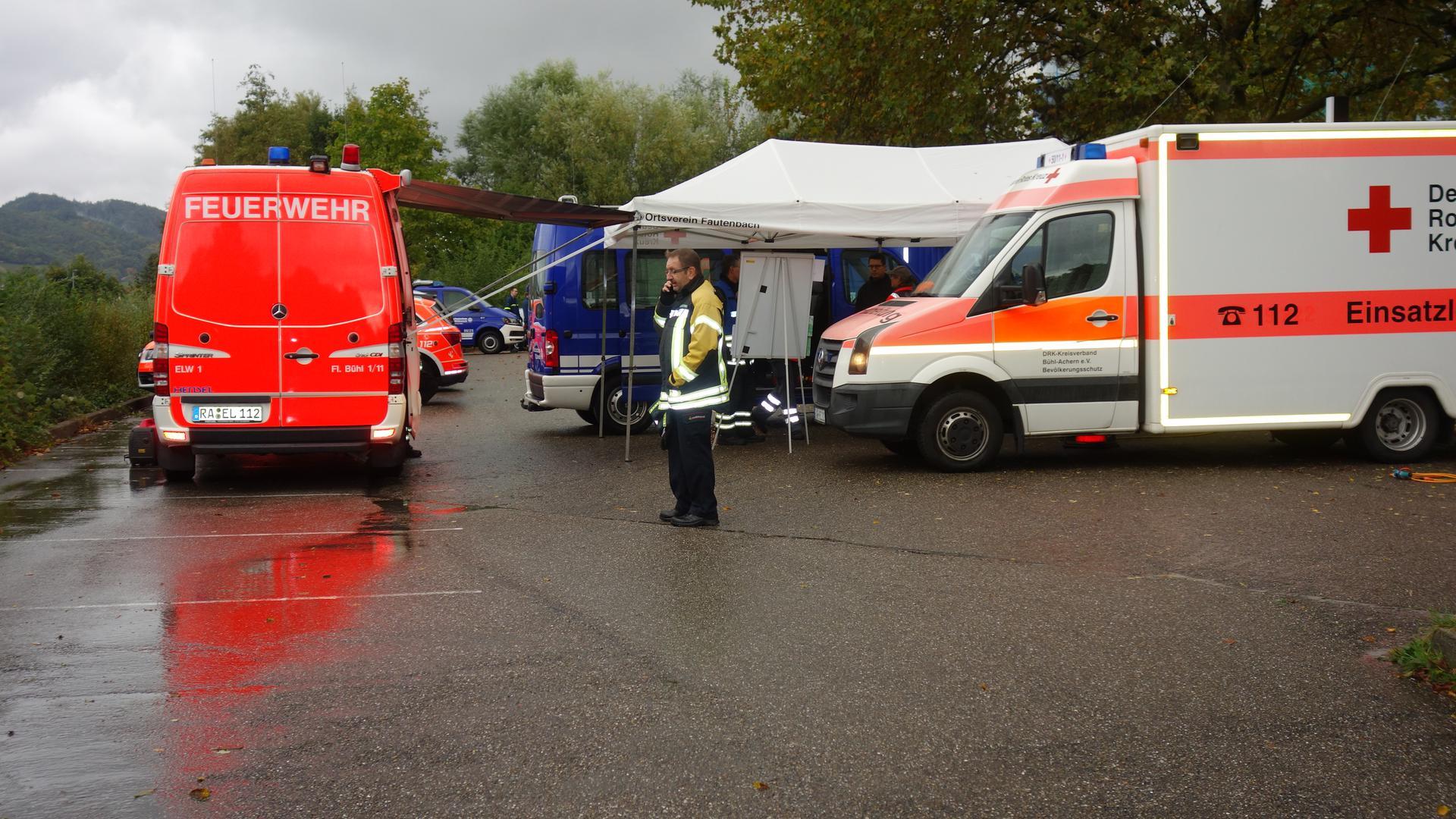 Auf einem Parkplatz unter dem Klinikum Mittelbaden in Bühl wurde während der Suche ein Lagezentrum eingerichtet.